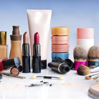Декоративна козметика